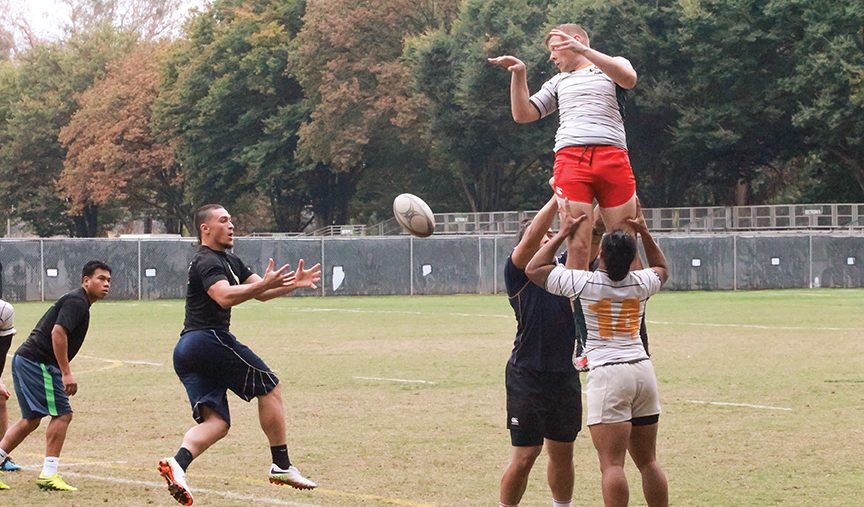 The+Sacramento+State+men%27s+rugby+club+practices+behind+Yosemite+hall+on+Oct.+27.+%28Photo+by+Matthew+Dyer%29
