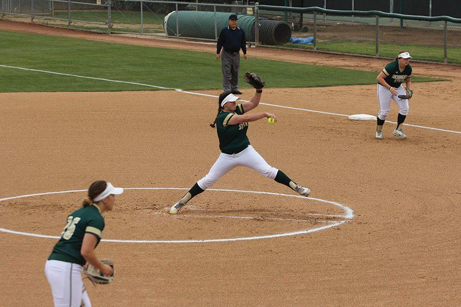 Sacramento+State+senior+pitcher+Taylor+Tessier+winds+up+for+the+first+pitch+of+the+game+against+Seton+Hall+Tuesday+at+Shea+Stadium.+%28Photo+by+Cassie+Dickman%29