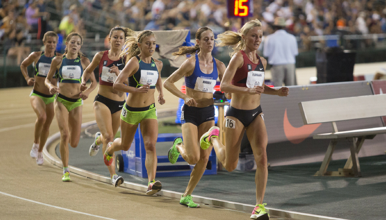 Molly Huddle (second from the far right) runs during the women's 10,000-meter race Thursday at Sacramento State's Hornet Stadium. Huddle finished first with an overall time of 31:29.86. (Photo by Nicole Fowler)