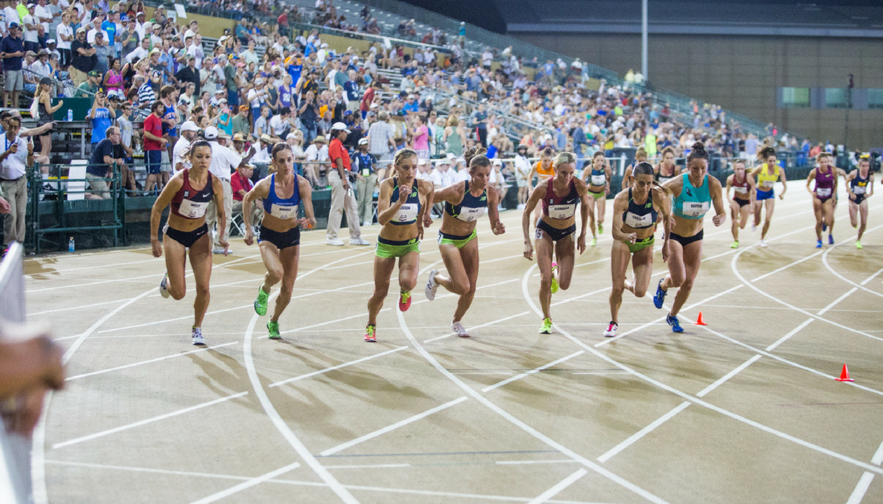 Emily Infeld (far left) begins the women's 10,000-meter run with fellow competitors Thursday at Sacramento State's Hornet Stadium. Infeld finished in second place with an overall time of 31:22.67. (Photo by Nicole Fowler)