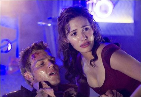 Image: Even though 'Poseidon' sinks, this movie doesn't:Mike Vogel and Emmy Rossum star in
