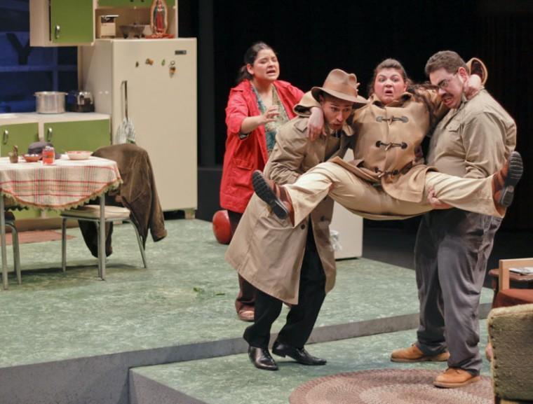 No Se Paga play:Marianne Gaona, John Dryden, Layla Oghabian and Joe Perales star in ?No Se Paga.?:Chris Chiang - State Hornet