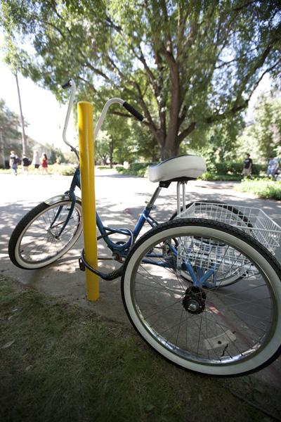 One of the poorly secured bikes on campus, locked to a pole outside of Mendocino Hall