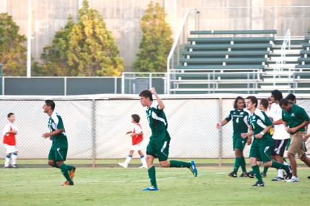 Men's soccer defeats San Diego in overtime