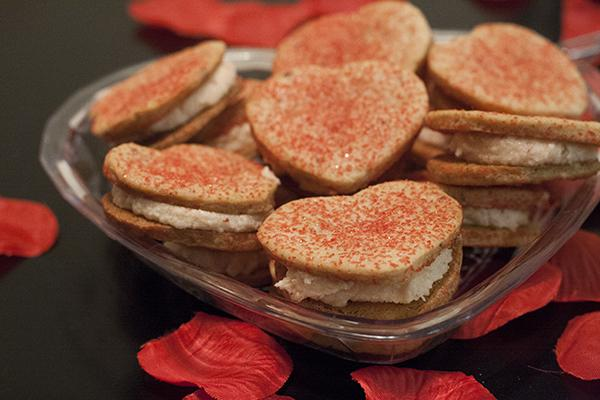 Your Valentine will love this cute and yummy vegan cookies!