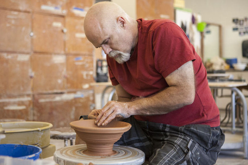 Chris Thompson has worked for almost two years to make more than 1,000 bowls, in which the money from the bowl's profit will go to charity.