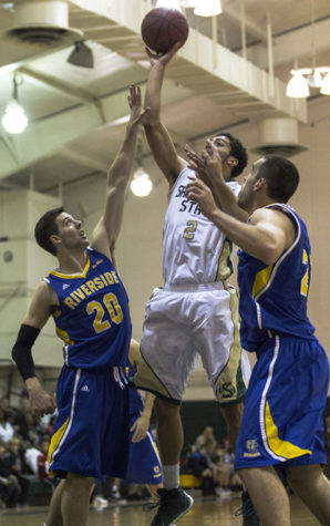 Men's basketball edges UC Riverside despite difficulty in the second half