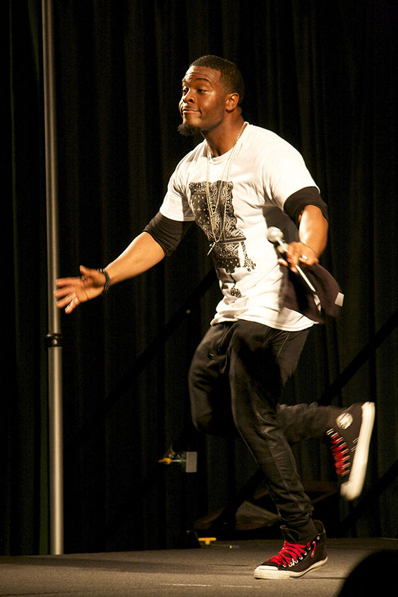 Kel Mitchell brought back the '90s at Sac State with a live stand up show in the University's Ballroom on Thursday Febuary 5, 2014. Kel kicked off the night with a giant dance party and brought many laughs to Sac State students.