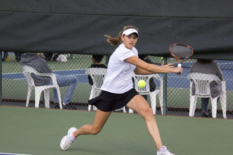 Women's tennis beats No. 46 ranked Long Beach State 4-3