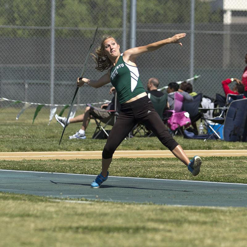 Freshman+Lauren+Kinloch+competes+in+the+javelin+throw+event+during+the+Mondo+track+and+field+meet+on+Saturday%2C+April+4%2C+2015+at+Sacramento+State.+Kinloch+scored+a+distance+of+26.90+meters+in+the+first+flight+of+the+event.