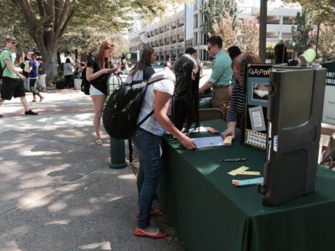 Sac State hosts SSIS major fair