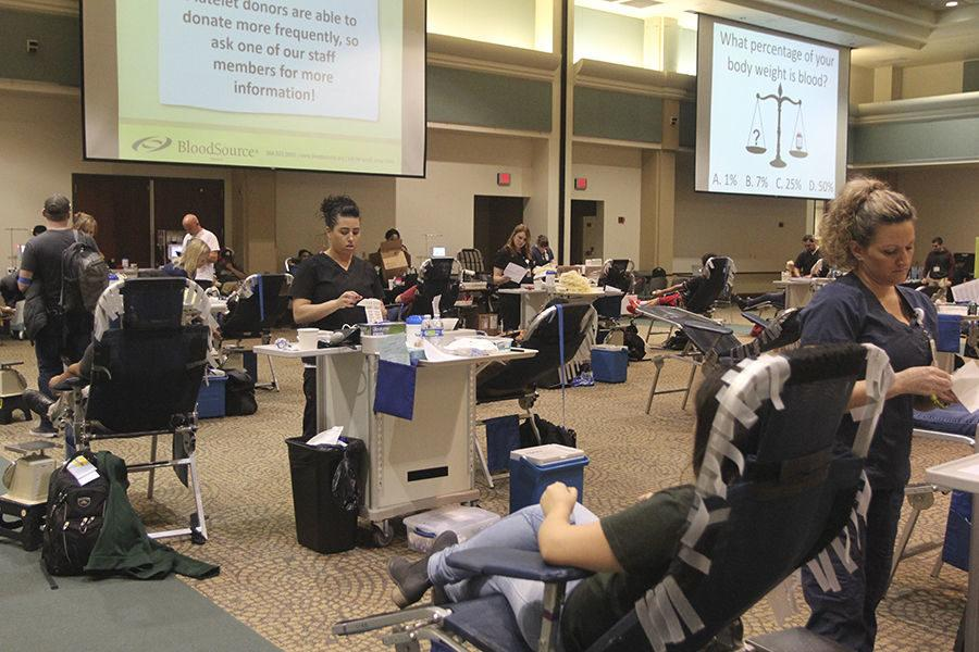 Students+giving+blood+at+the+Blood+Drive+in+the+University+Ballroom+on+Tuesday%2C+Feb.+16%2C+2016.