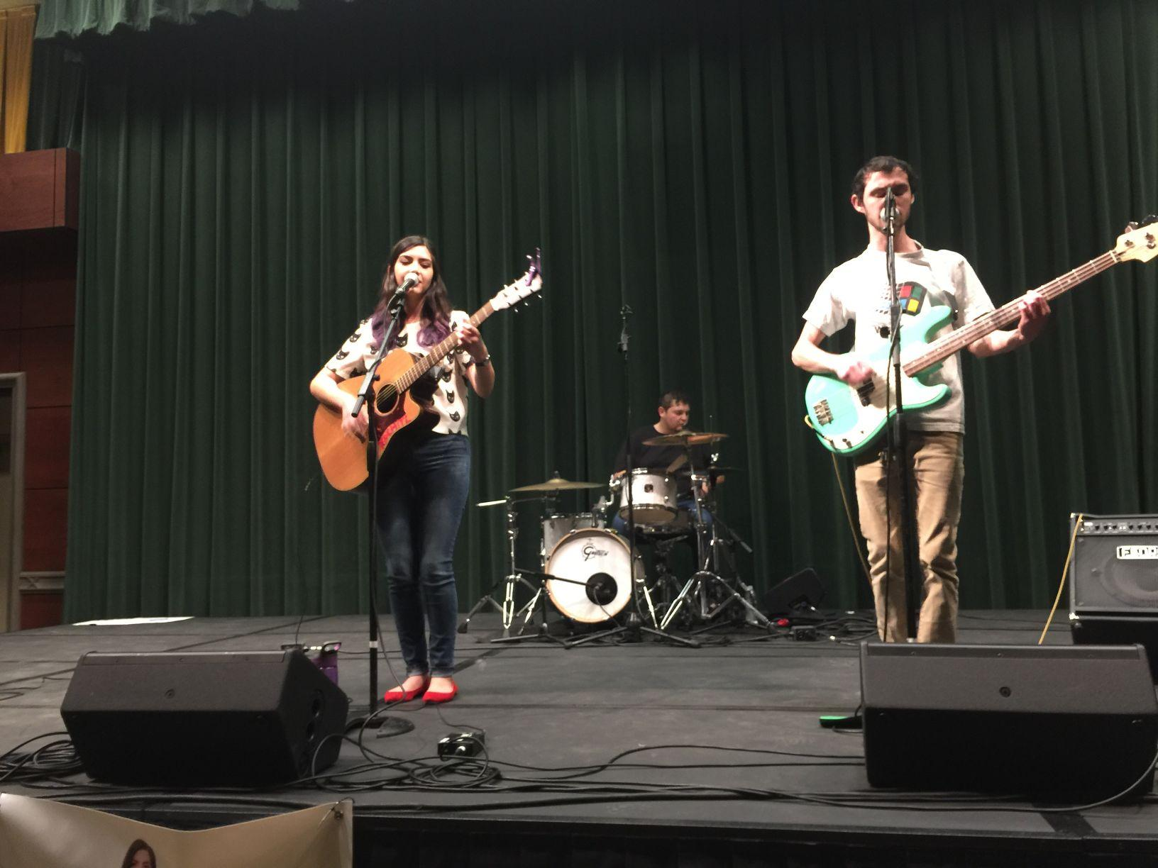 Xochitl performing with her band at a Nooner concert on Wednesday, March 16 in the University Union Redwood Room.