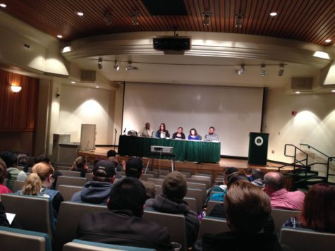 Student panel discusses holes in American history curriculum