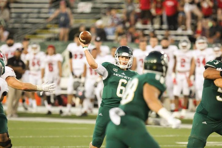 Sophomore Nate Ketteringham throws the ball against Western Oregon, Sep. 3, 2016. (Photo by Matthew Dyer)