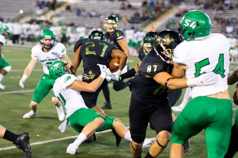 Hornets hit hard by North Dakota in homecoming loss, 40-7
