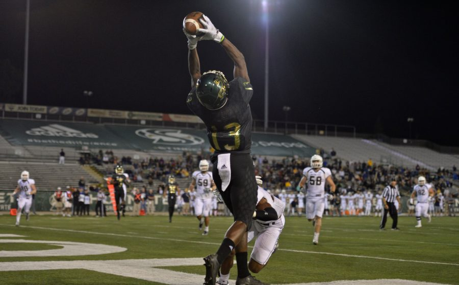 Sacramento State sophomore Jaelin Ratliff grabs a 17-yard touchdown pass from sophomore quarterback Nate Ketteringham in the 4th quarter against Montana State on Saturday, Oct. 1, 2016 at Hornet Stadium. (Photo by Bob Solorio/Sac State Athletics)