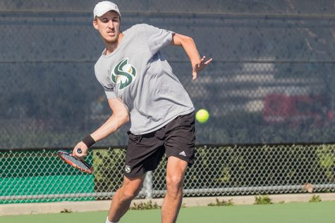 Men's tennis team falls 5-2 to UC Davis