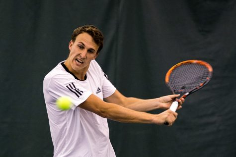 Men's tennis team defeats Idaho State 6-1, snaps losing streak