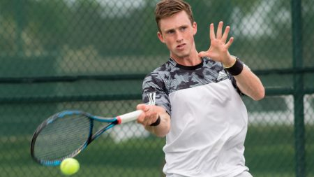 Hornets sweep Hawaii 7-0, establish 3-match winning streak