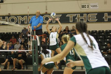 Volleyball team clinches Big Sky regular season championship, multiple milestones