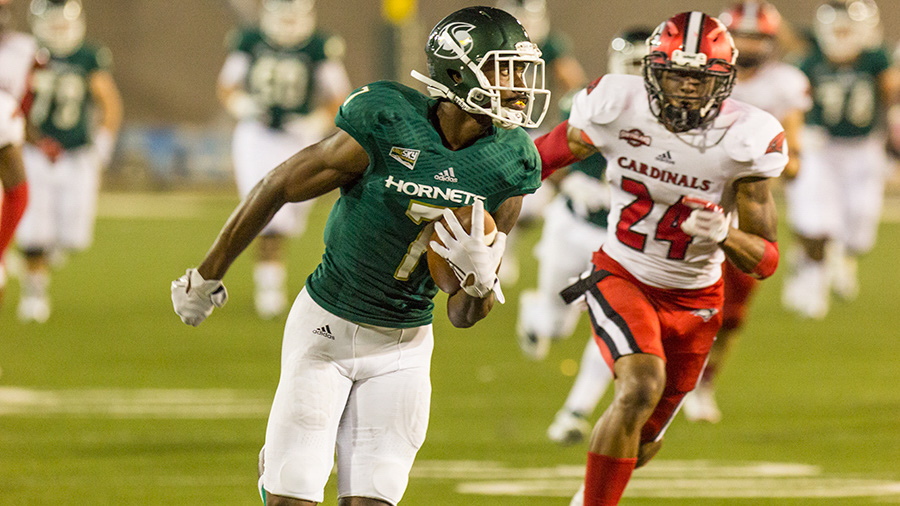 Sacramento+State+junior+receiver+Andre+Lindsey+out+runs+University+of+Incarnate+Word+sophomore+safety+Chris+Thomas+for+a+touchdown+Saturday%2C+Sept.+9+at+Hornet+Stadium.+Sac+State+defeated+UIW+56-22+for+its+first+win+of+the+season.