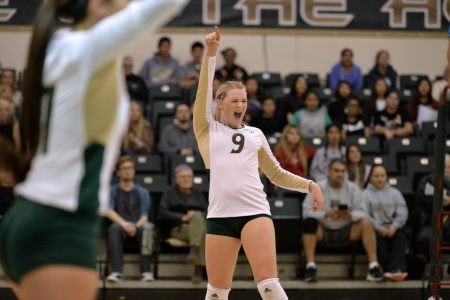 Senior volleyball player puts back injury behind her