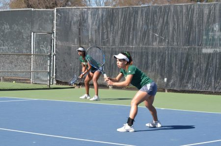 Women's tennis falls to No. 45 ranked Saint Mary's