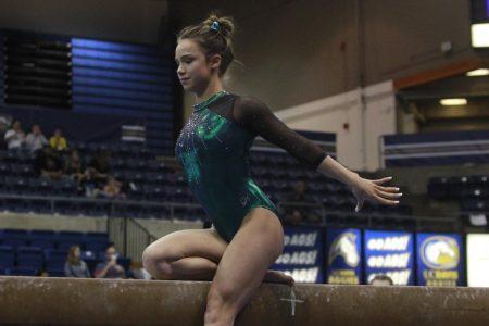 Gymnastics team falls to UC Davis in Causeway dual meet