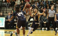Men's basketball breaks losing streak with win over Northern Colorado