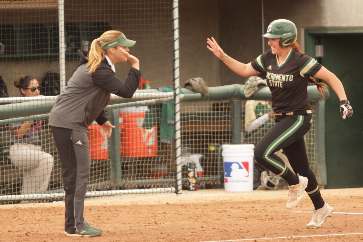 Softball team moves into first place in Big Sky after series