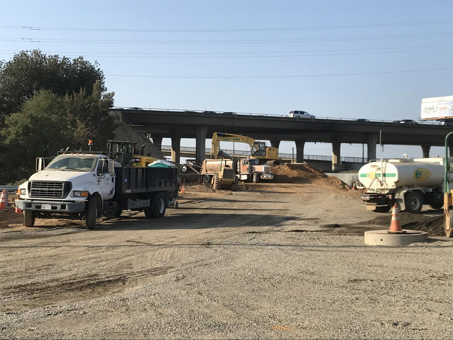 Construction crews works on the Ramona Avenue extension project off of Folsom Boulevard. Two construction projects - the Ramona Avenue extension and the Elvas Avenue road widening project - may cause heavy traffic on Folsom Boulevard through the semester.
