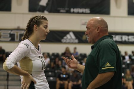 Sac State volleyball plays sloppy, falls to UC Davis in four games