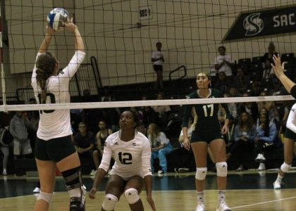 Hornet volleyball loses 3-2 to Idaho
