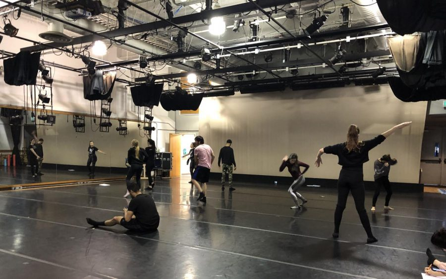 Sacramento+State+dance+students+work+on+their+project+for+Dance+Composition+II+in+Solano+Hall+1010.+Including+proper+dressing+rooms+and+restrooms+in+this+space+will+help+with+accreditation.