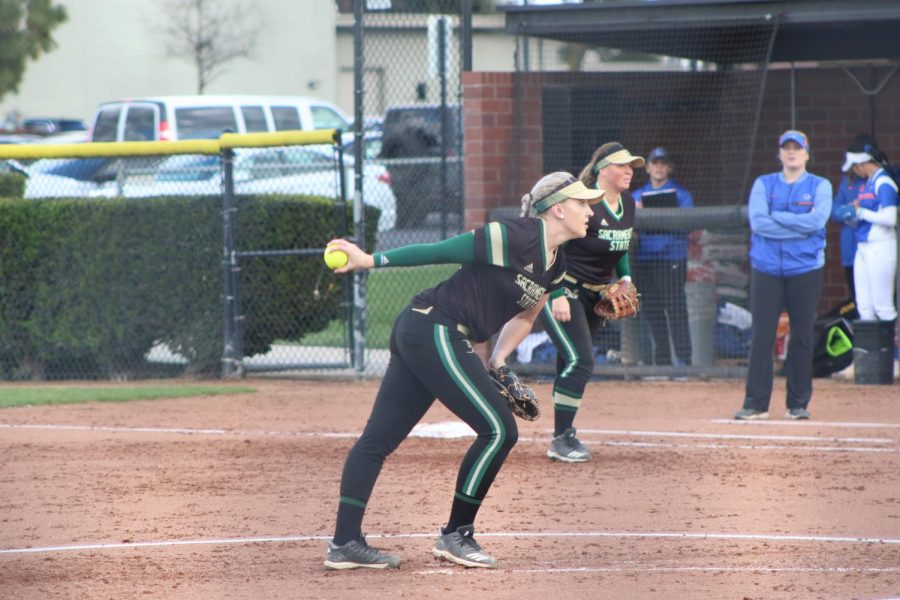 Sac+State+senior+right-hander+Savanna+Corr+pitches+in+a+2-5+loss+against+Boise+State+on+Friday+at+Bill+Simoni+Field.+The+Hornets+had+an+early+lead%2C+but+lost+energy+late+in+the+game%2C+according+to+players.+