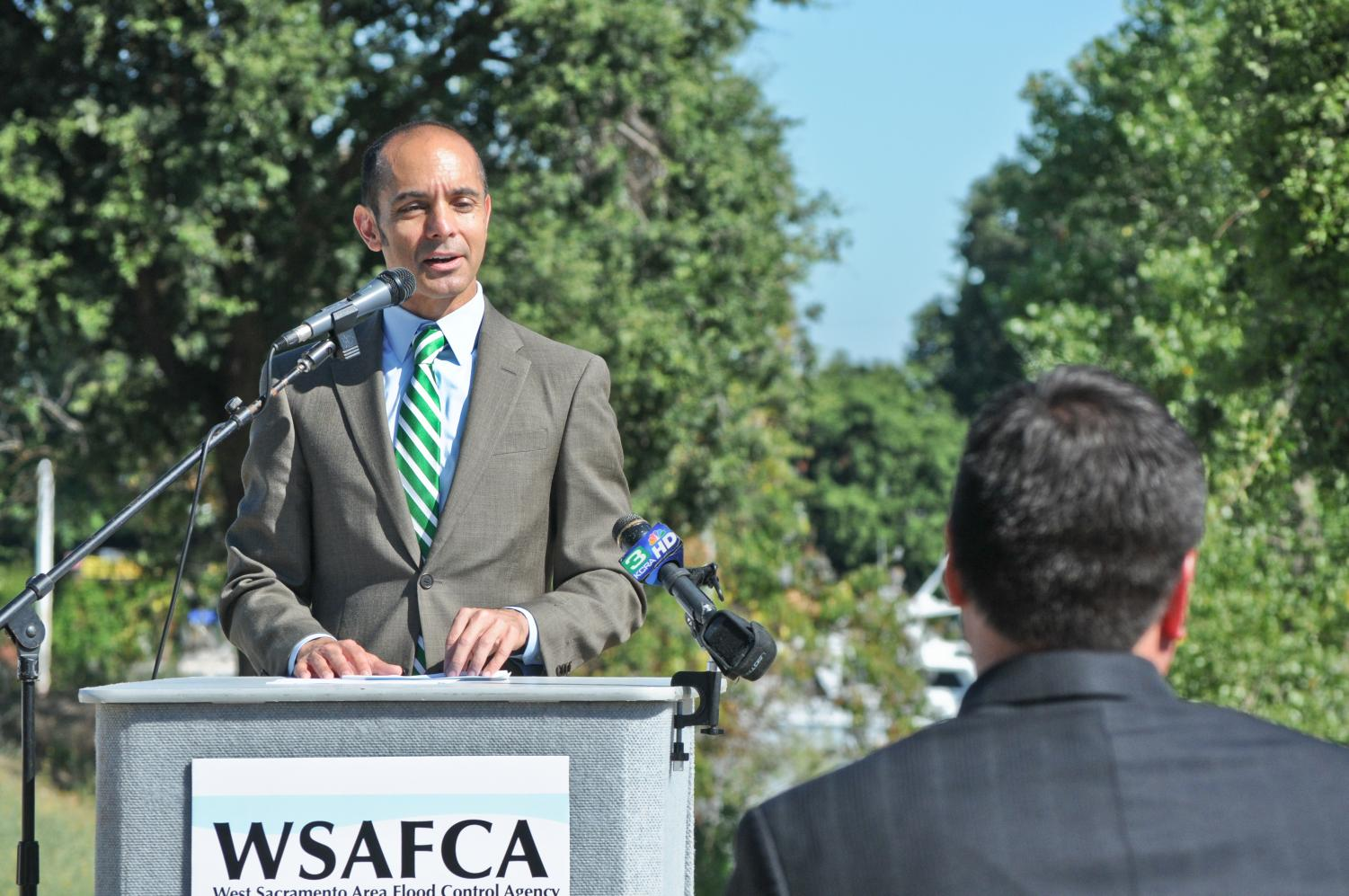 West Sacramento Mayor Christopher Cabaldon speaks at a groundbreaking ceremony for levee improvement in 2011. Cabaldon was recently hired as an endowed professor at Sac State.