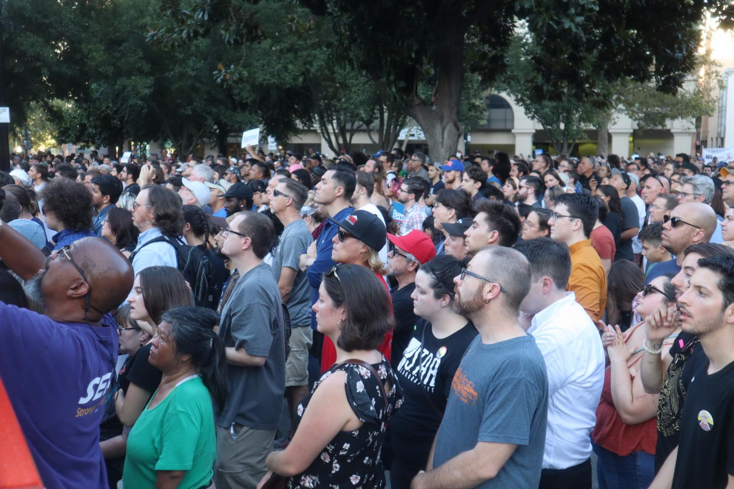 Rally+goers+listen+to+Bernie+Sanders+speak+at+Cesar+Chavez+Plaza+on+Thursday%2C+Aug.+22%2C+2019.+Sanders+referenced+last+year%27s+Camp+Fire+while+speaking+on+the+effects+of+climate+change+and+the+need+to+reverse+them.