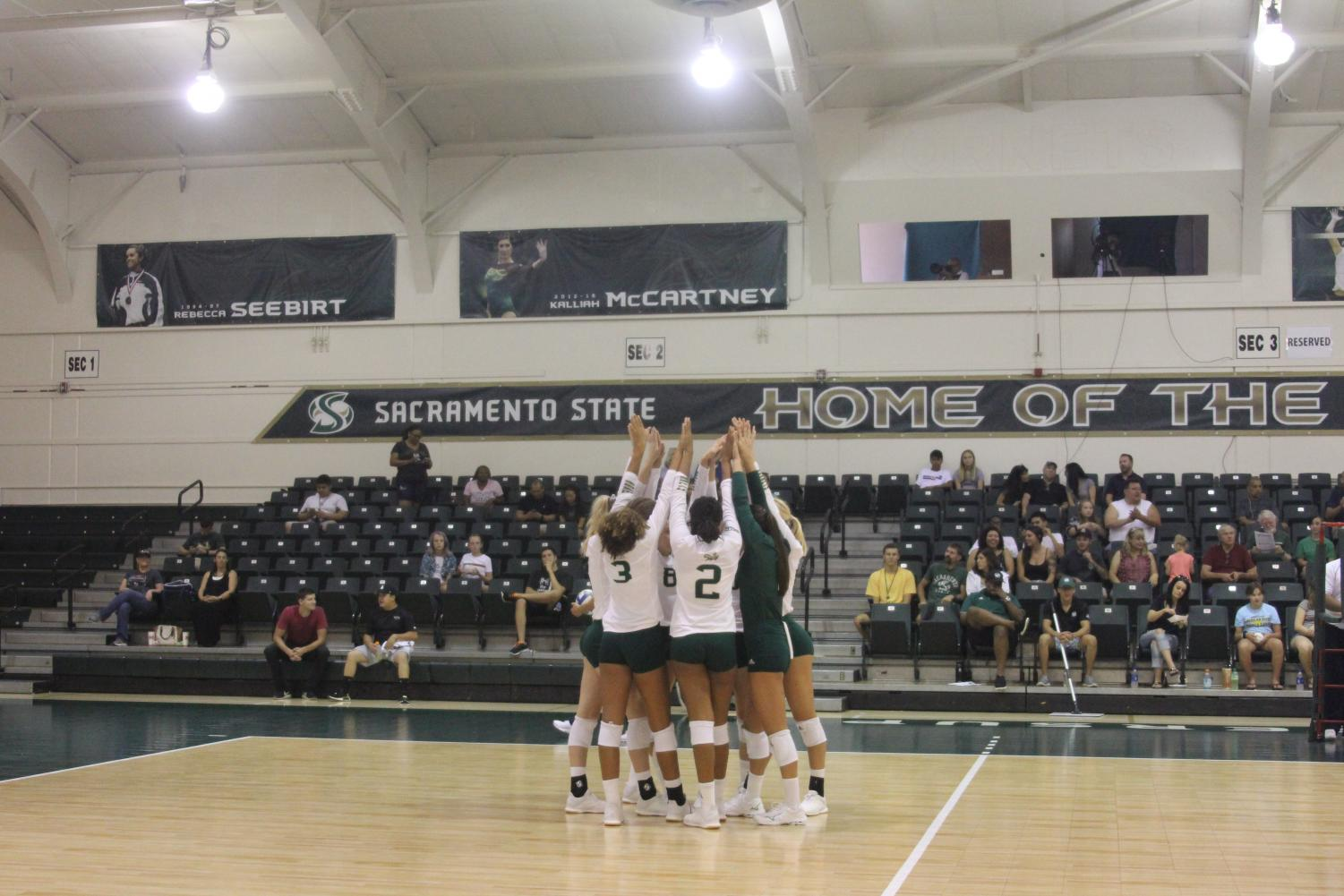 The+Sac+State+Women%27s+volleyball+team+comes+together+right+before+their+last+matchup+of+the+tournament+against+Nevada.+The+Hornets+won+the+tournament+despite+losing+to+Nevada.