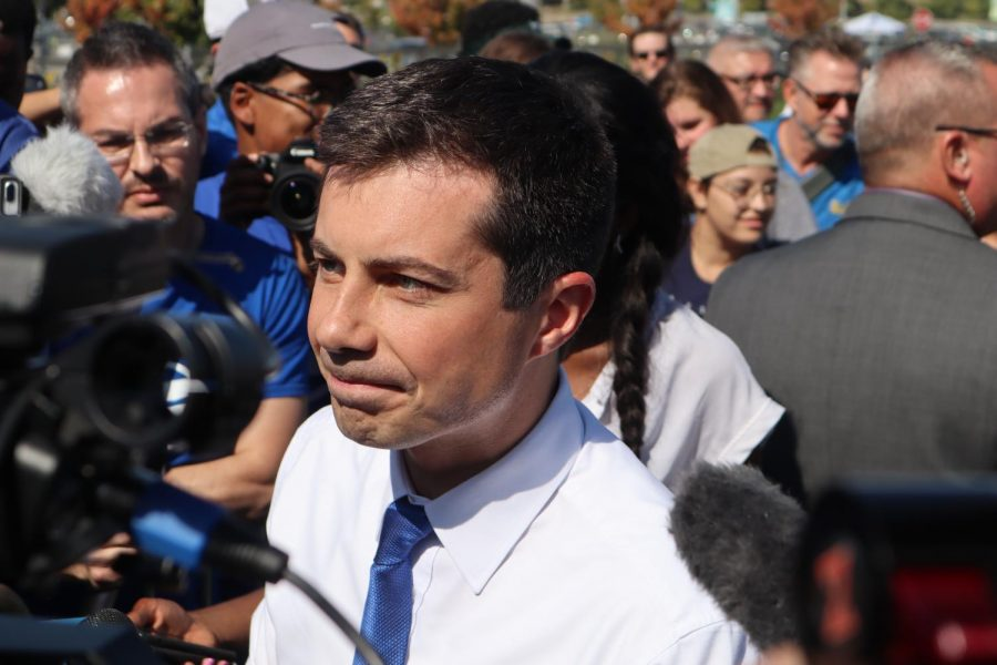 Pete+Buttigieg%2C+a+Democratic+presidential+candidate%2C+speaks+to+reporters+at+Drake%27s%3A+The+Barn+in+West+Sacramento+Sunday%2C+Sept.+29.+During+the+campaign+stop%2C+Buttigieg+called+on+supporters+to+register+to+vote+leading+into+California%27s+primary+next+March.