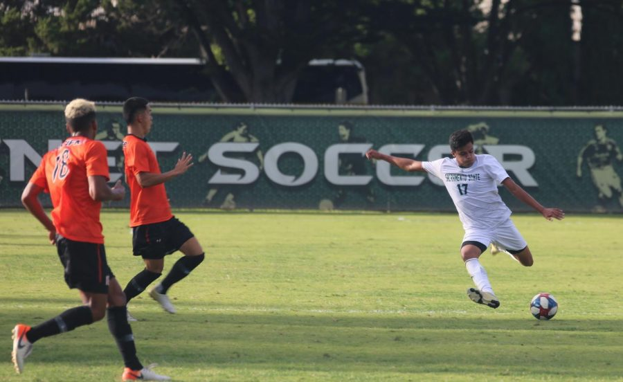 Sac+State+sophomore+defender+Alejandro+Alcantara+prepares+to+kick+the+ball+against+Pacific+on+Sunday%2C+Sept.+22+at+Hornet+Field.+The+Hornets+and+Tigers+played+a+1-1+draw.