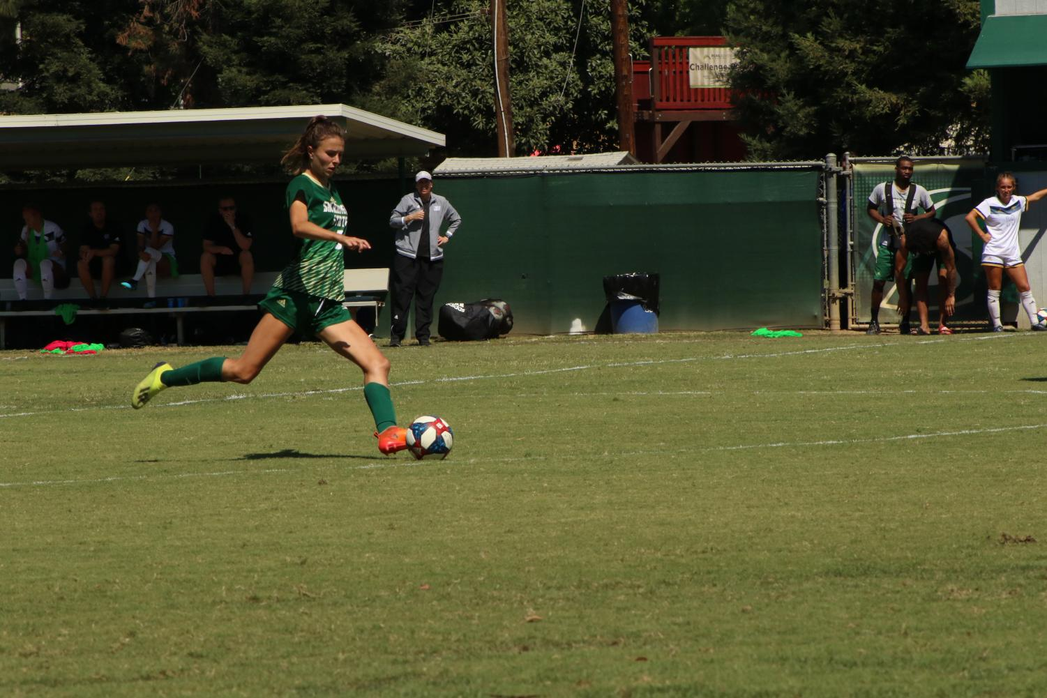 Sac+State+junior+defender+Aubrey+Goodwill+sets+up+for+a+free+kick+from+about+40+yards+out+against+Cal+Baptist+on+Sunday%2C+Sept.+8+at+Hornet+Field.+On+this+kick%2C+Goodwill+assisted+junior+forward+Kylee+Kim-Bustillos+who+scored+to+tie+the+game+at+two.