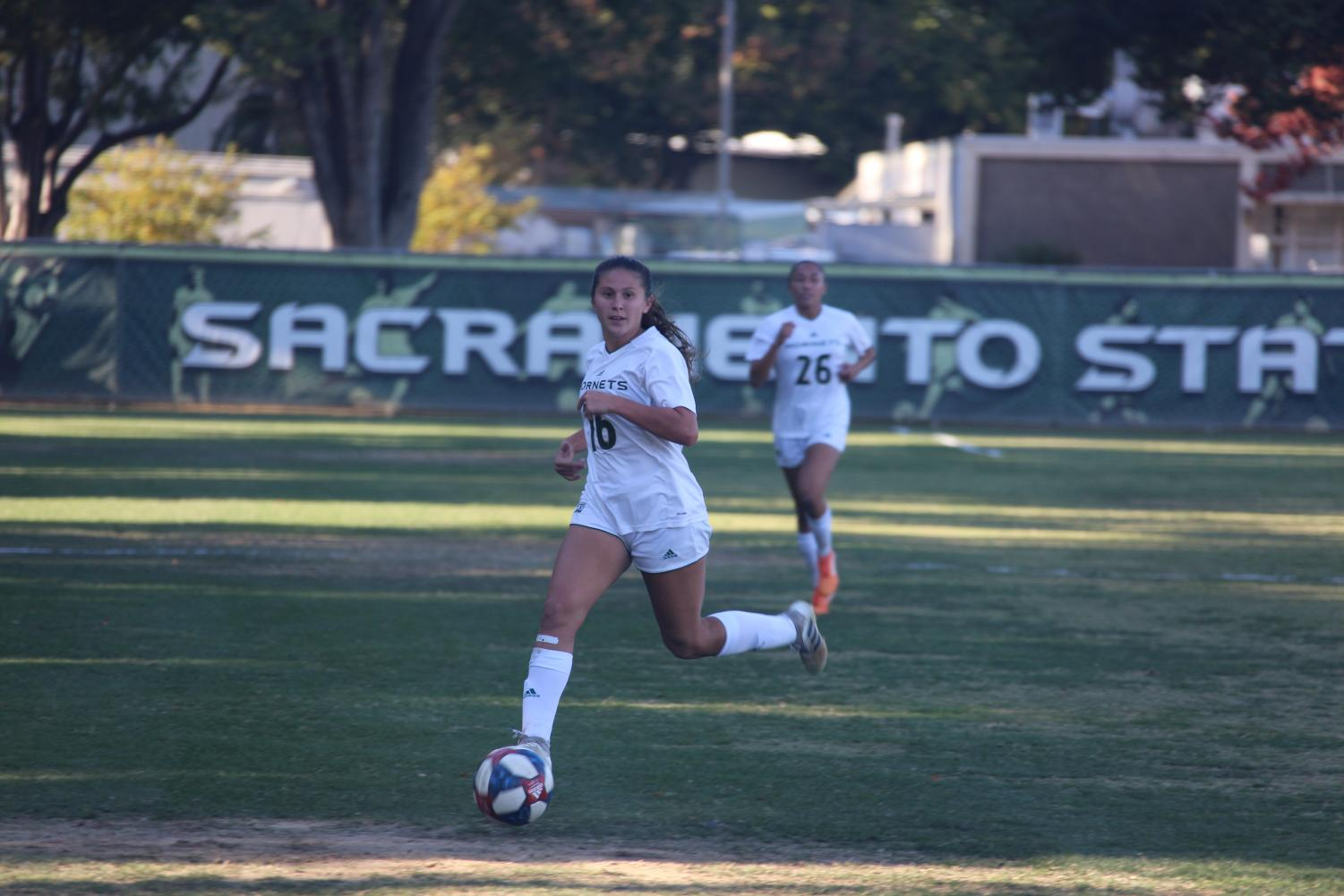 Sacramento State junior forward Julia Herrera dribbles downfield against the University of Idaho Friday, Oct. 25 at Hornet Field. The Hornets won in double overtime over the Vandals 1-0.