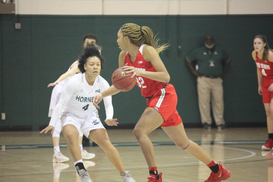 Sac+State+senior+guard+Camariah+King+guards+Ohio+State+sophomore+forward+Aaliyah+Patty+against+the+Buckeyes+on+Tuesday%2C+Dec.+17+at+the+Nest.+The+Hornets+are+now+on+a+six-game+losing+streak.