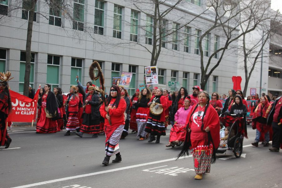 Members+of+the+Miwok+tribe+guiding+marchers+to+the+state+Capitol+on+Saturday+morning+at+the+Women%27s+March+Sacramento+on+January+18%2C+2020.+Photo+by+Kendra+L.+Rivera.