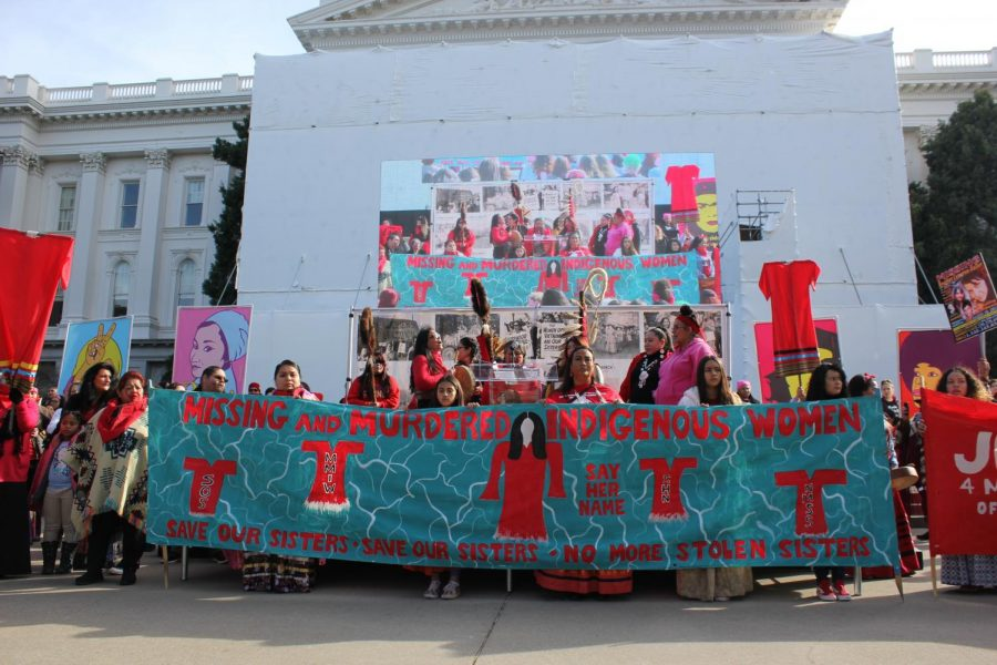 Members+of+the+Miwok+tribe+of+Sacramento+along+with+members+of+sister+tribes+stand+at+the+state+Capitol+in+support+of+human+rights+and+missing+and+murdered+indigenous+women+at+the+Sacramento+Women%27s+March+on+Saturday+Jan.+18.+Photo+by+Kendra+L.+Rivera.