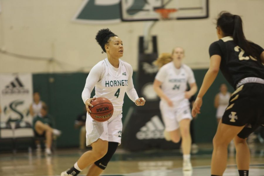 Sac+State+senior+guard+Camariah+King+surveys+the+floor+against+Idaho+on+Saturday%2C+Feb.+22+at+the+Nest.+The+Hornets+lost+to+the+Vandals+96-88.