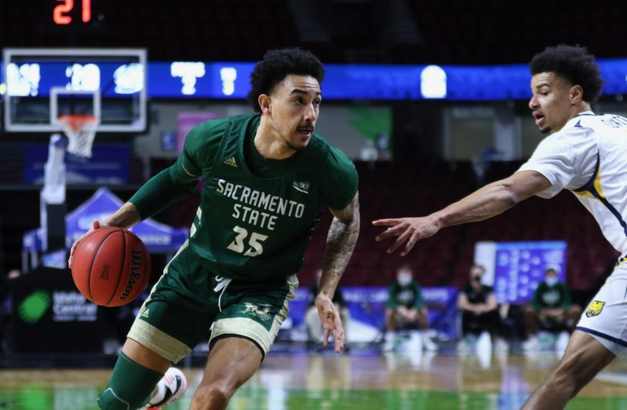 Senior forward Christian Terrell drives to the rim against Northern Colorado in the first round of the Big Sky Conference Tournament on Wednesday, March 10, 2021. The Hornets were defeated by the Bears 90-83, ending their season. (Photo courtesy of Big Sky Conference)