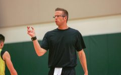 Oregon womens basketball associate head coach Mark Campbell instructs players at a practice on October 7,2015. Sac State women's basketball made a splash hire with the naming of Mark Campbell, who once helped lead University of Oregon to the final four, as the program's next head coach. (Steven Ahn/ Daily Emerald)