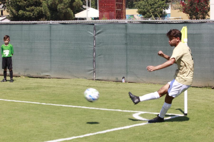 Sacramento State freshman midfielder Axel Ramirez shoots a corner in the first half of the game versus Gonzaga University on Sunday, Sept. 5, 2021 at the Hornet Soccer Field. Gonzaga beat the Hornets with a score of 1-0.